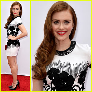 Holland Roden: 'Red 2' Premiere Pretty!