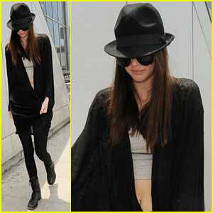 Kendall Jenner: Low-Key LAX Arrival