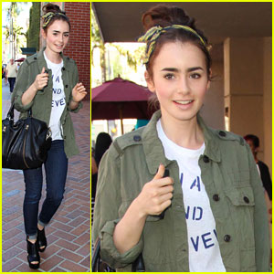 Lily Collins: 'Mortal Instruments' Promo at the Mall of America!