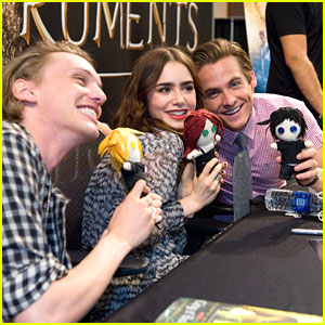 Lily Collins: 'Mortal Instruments' Signing at Mall of America