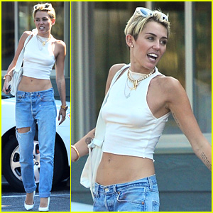 Miley Cyrus: Hook Me Up with a Teen Choice Award!