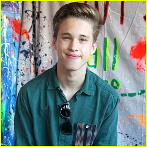 Ryan Beatty Stops By Toms in Venice Beach