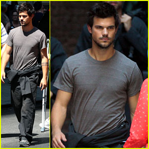 Taylor Lautner Films 'Tracers' in NYC's Midtown
