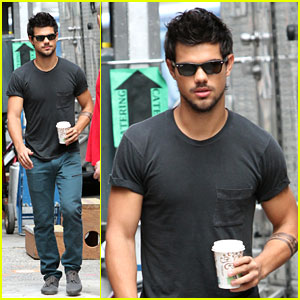 Taylor Lautner: Headed to the Philippines!