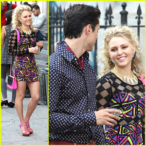 AnnaSophia Robb: Neon Number for 'Carrie Diaries'