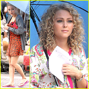 AnnaSophia Robb Juices Up for 'Carrie Diaries'