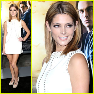 Ashley Greene: 'The Mortal Instruments: City of Bones' Premiere Pretty