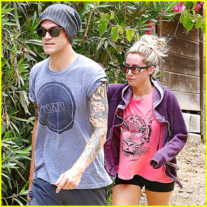 Ashley Tisdale: Follow Christopher French's Band Annie Automatic on Twitter!