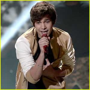 Austin Mahone: Young Hollywood Awards 2013 Performance - Watch Now!