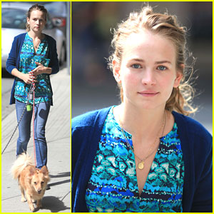 Britt Robertson Walks Dogs in Vancouver