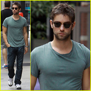 Chace Crawford Hangs Out in the Big Apple