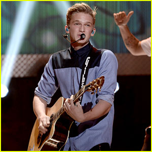 Cody Simpson: Young Hollywood Awards 2013 Performance - Watch Now!