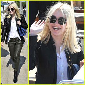 Dakota Fanning: Water Taxi in Venice