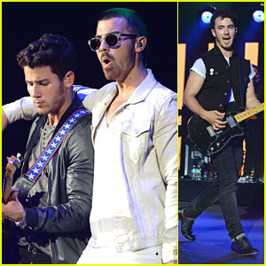 Jonas Brothers: West Palm Beach Concert Pics!