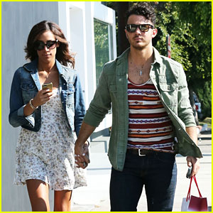Kevin & Danielle Jonas: Pre-Baby Shopping!