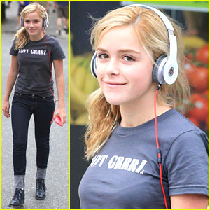 Kiernan Shipka Launches Food Instagram