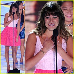 Lea Michele Honors Cory Monteith at Teen Choice Awards