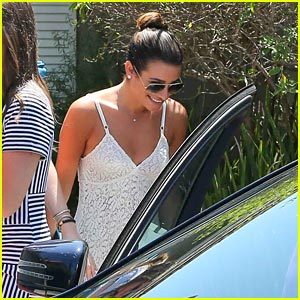 Lea Michele: Smiling Before the Teen Choice Awards!
