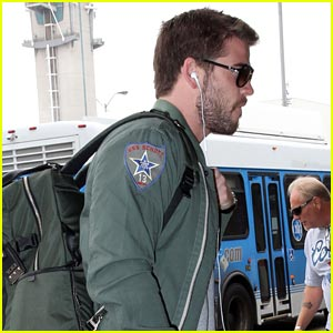 Liam Hemsworth: Bearded LAX Departure