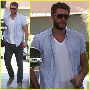 Liam Hemsworth: Scruffy Stop for Gas