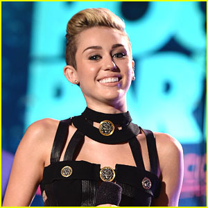Miley Cyrus Announces Album Title: 'Bangerz'!