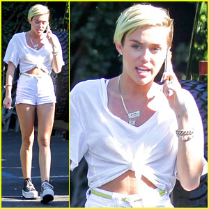 Miley Cyrus: Studio Session Following 'Bangerz' Release Date News