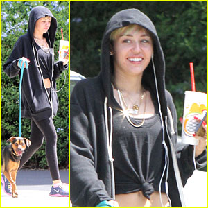 Miley Cyrus: Robek's Run with Happy