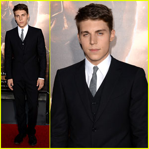 Nolan Gerard Funk Steps Out for 'Riddick' Premiere