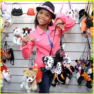 Quvenzhane Wallis Stops by Poochie & Co. NYC Showroom
