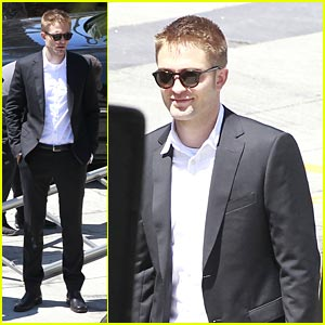 Robert Pattinson Suits Up for 'Maps to the Stars'
