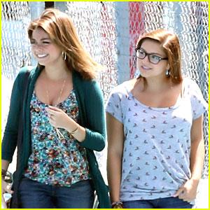 Sarah Hyland & Ariel Winter: 'Modern Family' Filming