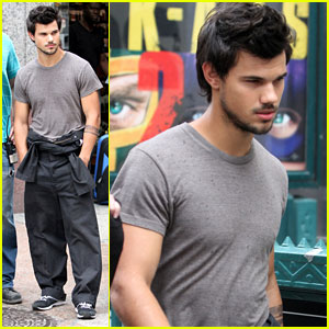 Taylor Lautner: Midtown 'Tracers' Guy