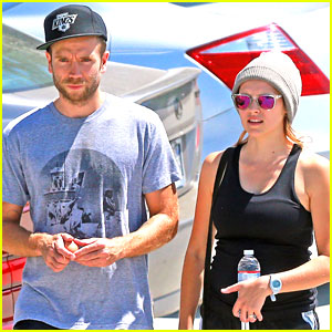 Teresa Palmer & Mark Webber: Gym Stop Sweeties