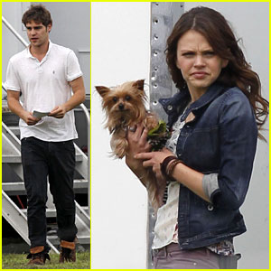 Aimee Teegarden & Grey Damon: 'Star-Crossed' Set Buddies!