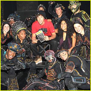 Austin Mahone Visits iLuminate on Broadway
