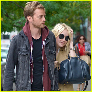 Dakota Fanning & Jamie Strachan: Downtown NYC Duo!