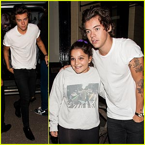 Harry Styles Hangs Out with Kelly Osbourne after House of Holland Show!