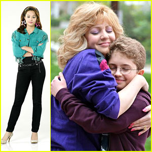 Hayley Orrantia: 'The Goldbergs' Promo Pics!