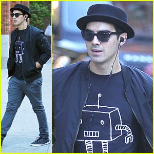 Joe Jonas: Robot Tee in NYC