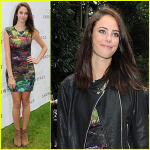 Kaya Scodelario: Unique at London Fashion Week