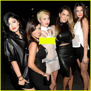 Kendall & Kylie Jenner Pose with Miley Cyrus at iHeartRadio Festival!