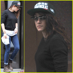 Kristen Stewart: Photography Supply Store Stop