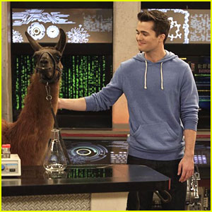 Spencer Boldman: Llama Drama on 'Lab Rats'!