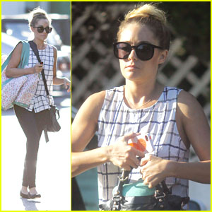 Lauren Conrad: Bristol Farms Shopper