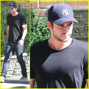 Liam Hemsworth: Bowery Hotel Exit