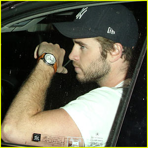 Liam Hemsworth: Chateau Marmont Outing After Miley Cyrus Split
