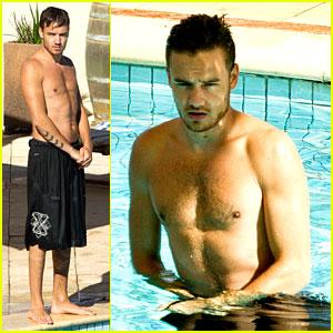 Liam Payne: Poolside in Australia