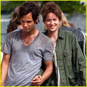 Penn Badgley & Dakota Johnson: 'Cymbeline' Action Scenes!