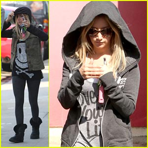 Ashley Tisdale: Come Party with the 'High School Musical' Cast!