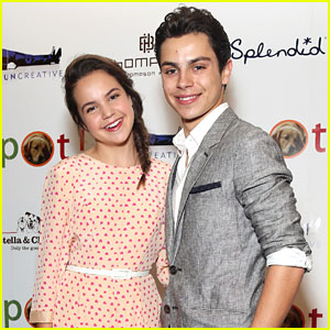 Bailee Madison & Jake T. Austin: Saving Spot! Fundrasier
